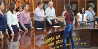 ENTREGAN FUNDACIÓN UCOL Y FEUC, BECAS DE INSCRIPCIÓN A ESTUDIANTES DE BACHILLERATO Y LICENCIATURA