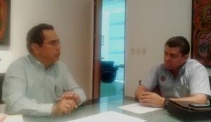Carlos Salazar, presidente de la Fundación, se reúne con Carlos Maldonado, director operativo de Benedetti's Pizza para establecer lazos de colaboración