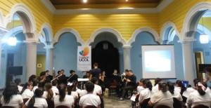 Alumnos de la escuela primaria Salvador Allende