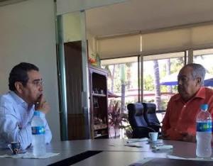 Carlos Salazar Silva, presidente de la Fundación Ucol con Guillermo Woodward Rojas, del Grupo Woodward en Manzanillo