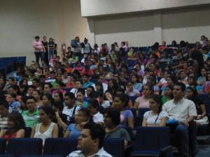 Participantes en Foro de Egresados