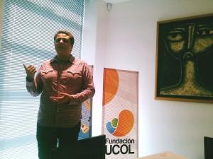 Estudiante Raúl presentando proyecto