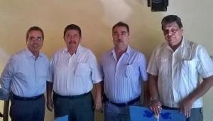 Representantes del transporte urbano con Carlos Salazar, presidente de la Fundación Ucol