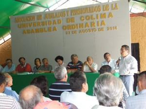 Carlos Salazar en reunión con Asociación de Jubilados y Pensionados de la Universidad de Colima