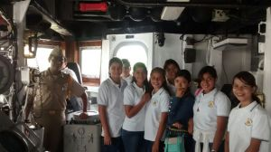 Alumnos del Colegio Begsu en Fragata ARM-Galeana
