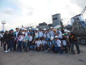 """Estudiantes de la Secundaria """"Pablo Latapí Sarre"""" T.M. en el Centro de Reparación Naval de Manzanillo"""