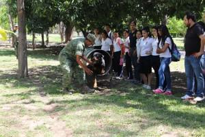 Demostración del escuadrón canino del Ejército Mexicano en la XX Zona Militar
