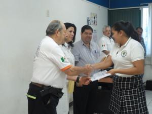 """Alumnos de la escuela Secundaria Estatal No.1 """"Francisco Hernández Espinosa"""" reciben constancia por su participación en las Brigadas de Autoprotección"""