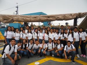 """Alumn@s de la escuela Secundaria Técnica No.11 """"Benito Rincón López"""" a bordo  del buque ARM-Bravo"""