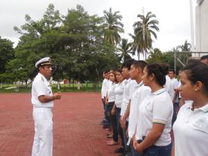 Comandante de la VI Región Naval otorga mensaje de bienvenida a estudiantes del Bachillerato Técnico No.14