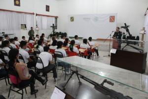 Charla informativa a cargo del general Juan Manuel Díaz Organitos