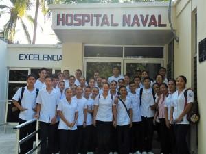 Estudiantes de la Escuela Técnica de Enfermería visitan por primera vez las instalaciones del Hospital Naval en Manzanillo